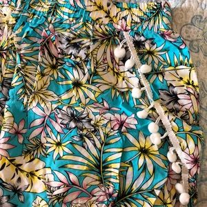 blue island Shorts - Floral Shorts